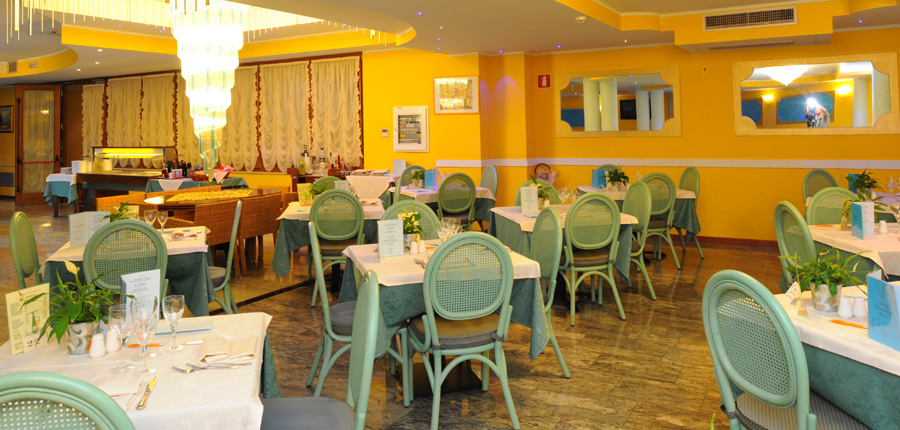 Hotel Alexander, Limone, Lake Garda, Italy - Restaurant.jpg